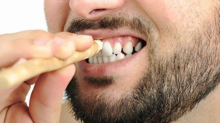 Anjuran Rasulullah dalam Menjaga Kesehatan Gigi. Whatsapp. Bersiwak. 17d8f7243d