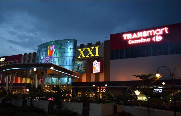 Pusat Perbelanjaan OPI Mall Buka pukul 10.00 - 21.00 WIB