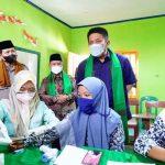 launching Percepatan Vaksinasi Santri Pondok Pesantren se Sumsel, di Ponpes Sultan Mahmud Badaruddin II, Kelurahan Takang Jambe Palembang, Rabu (22/9) pagi.